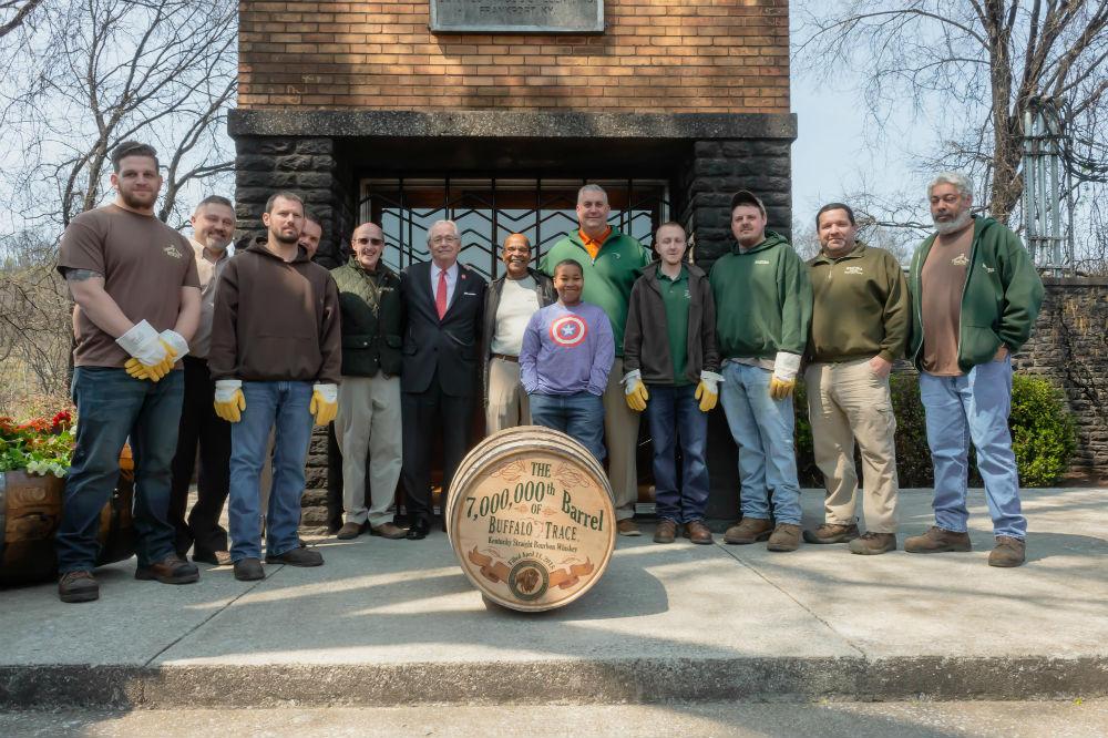 Buffalo Trace Distillery rollt das das 7. Millionste Fass