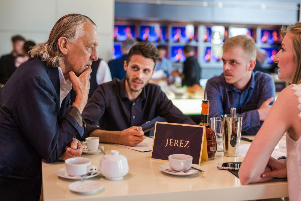 Mit Carlos I, Charles Schumann und einer kreativen Cocktailkreation nach Andalusien
