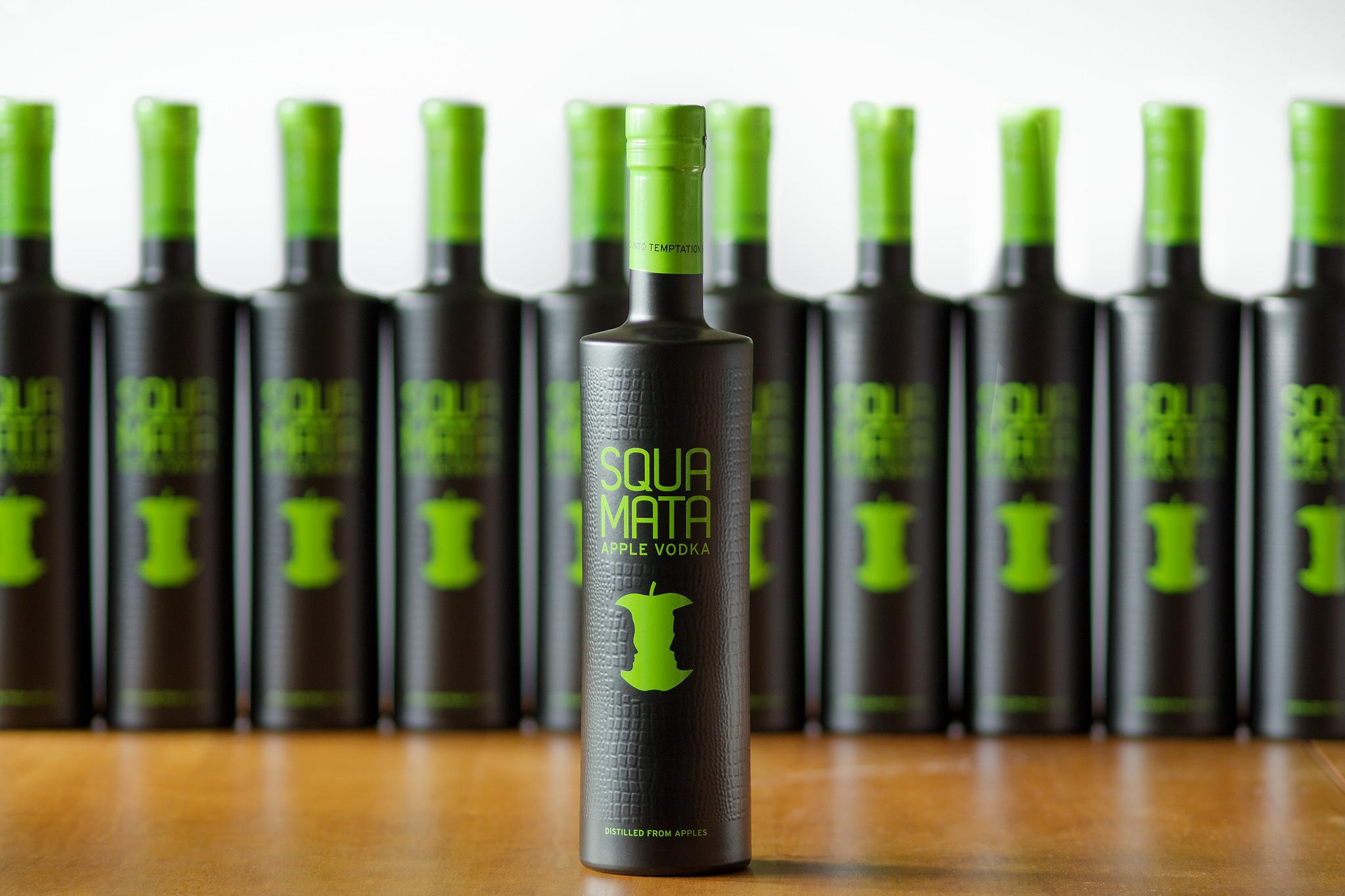 Squamata Apple Vodka im neuen Design